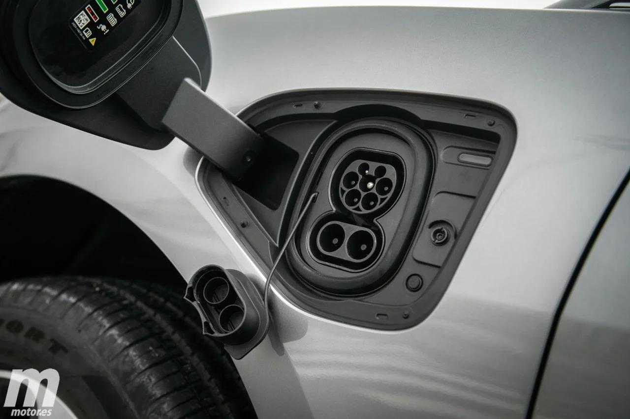 Bruselas presenta la nueva etiqueta para coches eléctricos y puntos de carga
