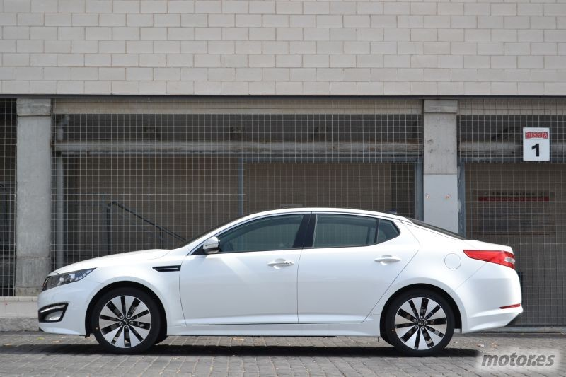 Vista lateral KIA Optima